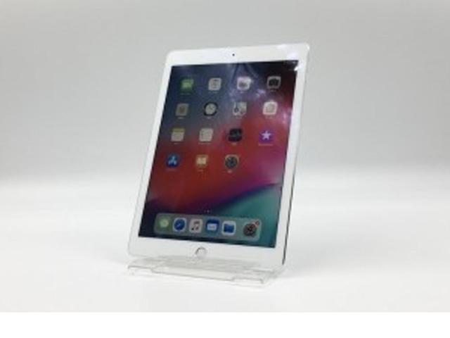 iPad Pro 9.7インチ Wi-fi+Cellularモデル 32GB Silver MLPX2J/A au版